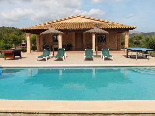 Beautiful villa for 4 people with private pool and jacuzzi