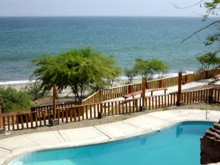 Scenic PUNTA COCOS BEACH front furnished suite, AC