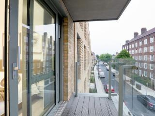 Central London Premium Apartment (Sleeps 8)