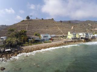 Villa Mariana, A Luxury Malibu Designer Beach Home, Malibú