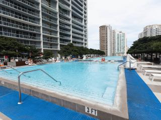 STUNNING 2 BD APT ON ICON BRICKELL, DOWNTOWN MIAMI, Miami