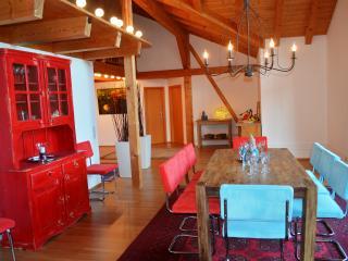 ART S Exclusive Ferienwohnung, Wackersberg b Bad Toelz
