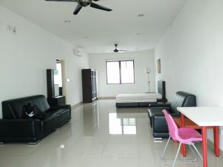 Fully furnished family studio suite for rent, Puchong