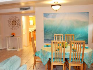Sarasota Beach Cottage 2 Miles To Siesta Key!
