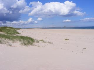 Beach Haven Seahouses * 2 mins from Harbour *Dog Friendly * Sleeps 4