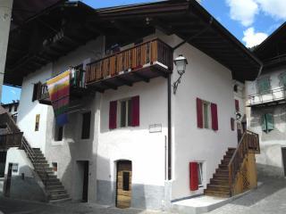 Casa tradizionale Primiero,ai piedi delle Dolomiti