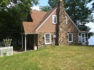 Stone Cottage on Green Lake, Caledonia Michigan