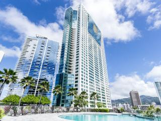CLEAN/NEW, Across Ala Moana Beach/Mall, Furnished, Honolulu