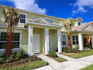 3 Bed 3 Bath Pool Home + Clubhouse (1525-RETREAT), Orlando
