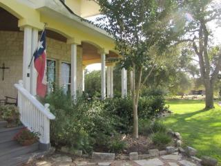 Incredible Sunset View and Close to Attractions, New Braunfels