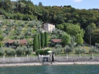 Monte Isola - Lake Iseo - Apt in chalet lakeview