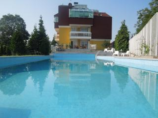 Studio app. 'Audrey Hepburn'/wifi/parking/pool, Zagreb