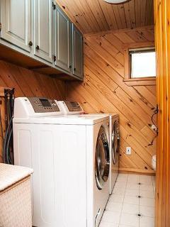 Main Floor Laundry/Powder Room