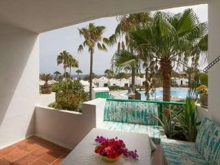 APARTMENT LYLYSTIAN IN COSTA TEGUISE FOR 2P