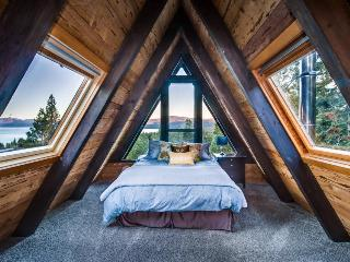 Amazing A-frame cabin with hot tub, 2 fireplaces, & more