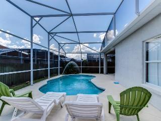 10 miles to Disney; private pool, quiet neighborhood, spacious house!, Four Corners