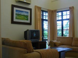 Celebrity Villa, Ayer Keroh