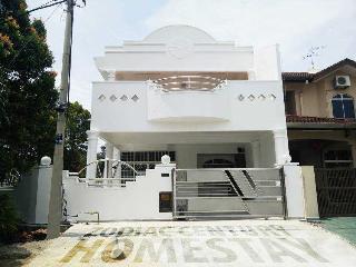 Zodiac Century Homestay, Kampung Bukit Katil