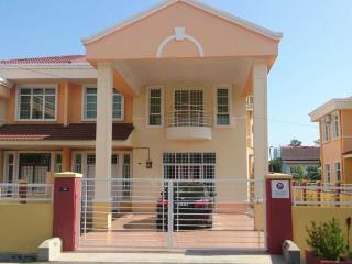 Homestay Melaka Executive Bukit Serindit ( for Muslim & Vegetarian ), Klebang Kechil