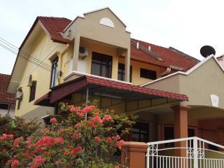Homestay Melaka 4 Bilik Aircond Wifi