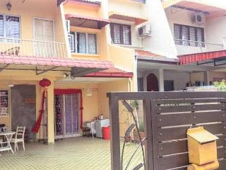 Mystery holiday home melaka, Melaka