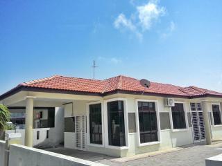 Homestay Danish, Residenmas Homestay Melaka (for Muslim), Kampung Bukit Katil
