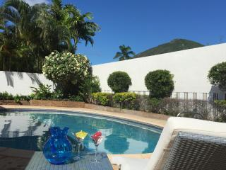 Comfy Luxury, private pool, great location, Hawaii Kai