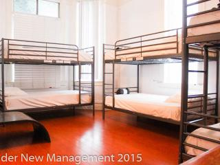 Single3 bed in Los Angeles 6 Bed Shared Dorm Room