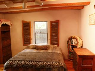 Peaceful Adobe Charm. Walk to Seco Village! Pet OK, Arroyo Seco