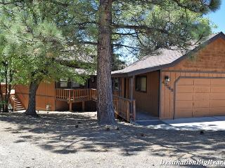 Vista Hideaway: Near Bear Mtn! Lake & Mtn Views!, Big Bear Lake