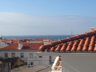 Awesome Flat in Sesimbra-Portugal with garage