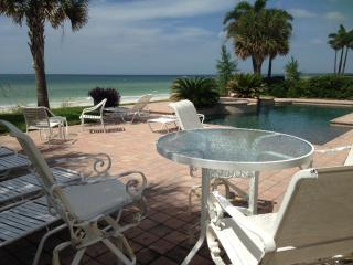 GULF FRONT Private Beach home 4bdrm/4bath, Belleair