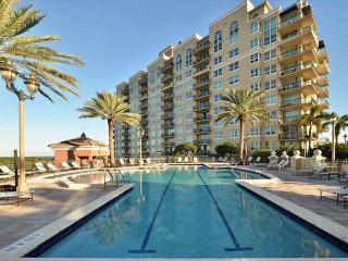 Grand 2 Bedroom Sunrise Family Apartments, Fort Lauderdale