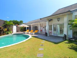 #C2 Friendly Tropical Villa Seminyak 3BR