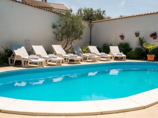 House Dina with pool