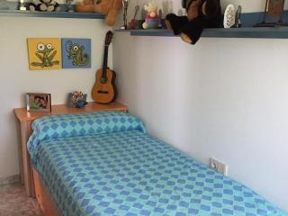 BARCELONA. Habitación  Individual Privada, Terrassa