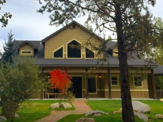 Large, Luxury Lodge in McCall w/ Hot Tub & Golf