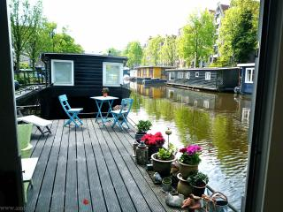 A192 houseboat, Amsterdam