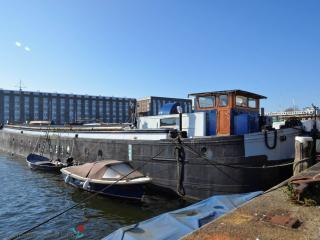 A140  houseboat, Amsterdam