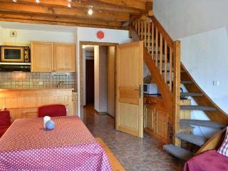 CORNILLON A Studio small bedroom + mezzanine 6 persons 408/042, Le Grand-Bornand