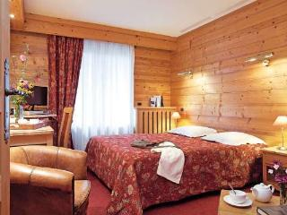 CORTINA 2 rooms + small bedroom 6 persons