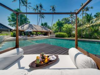 Villa Samadhana - Pool daybed