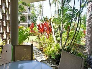 Alii Villas 107 - No Stairs! Great Deal! Tropical Views!, Kailua-Kona