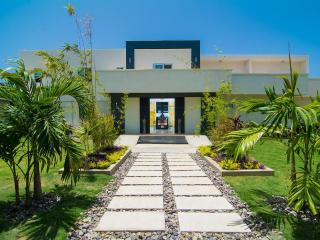Dreamtime by the Sea, Montego Bay 5BR, Ironshore