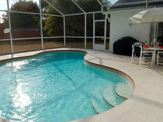 3 bedroom home private pool near Disney I4 & shops