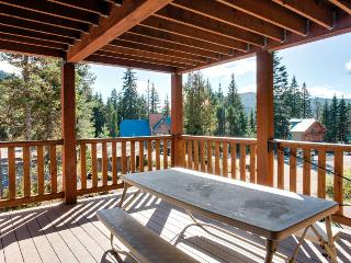 Amazing 18-person lodge w/private sauna, pets OK!, Government Camp
