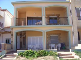 Apartamento de 3 o 4 h a pie de playa paupi  Oliva
