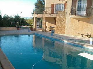 APPARTEMENT DANS UNE VILLA + piscine By Hollystay, Six-Fours-les-Plages