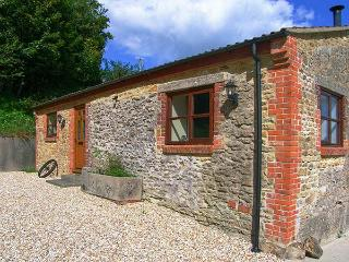 THE BARN detached, single-storey, woodburning stove on a working farm in Crewker