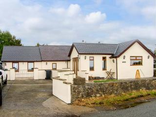 PEN-PRYS-FAWR, all ground floor, wheelchair access, woodburner, pet-friendly
